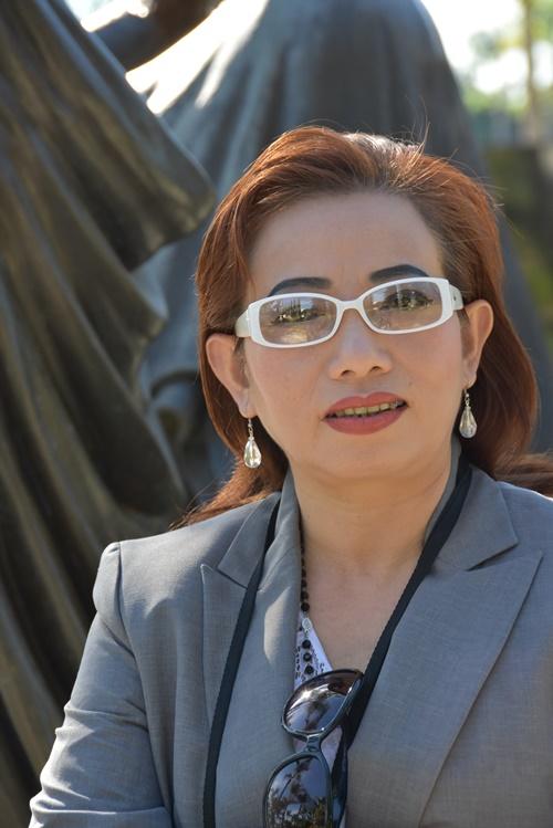 Tạ Phong Tần, hiện ở Orange County, Nam Califonia, USA